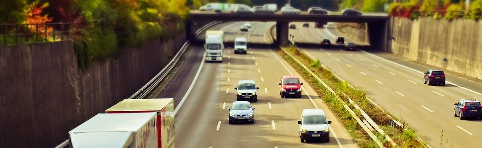 Dopravně psychologické vyšetření – psychologické testy pro profesionální řidiče automobilu, autobusu, vozidel hromadné dopravy a stavebních strojů o hmotnosti nad 7,5 tuny, kolejové dopravy.