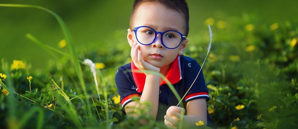 Pomoc psychologa mohou využít rodiče velmi malých dětí, školáků i dětí téměř dospělých. Dětský psycholog pomáhá zvládnout nejrůzněší situace, které výchova dětí přináší.